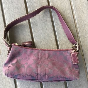 COACH SIGNATURE PURPLE SHOULDER BAG EUC